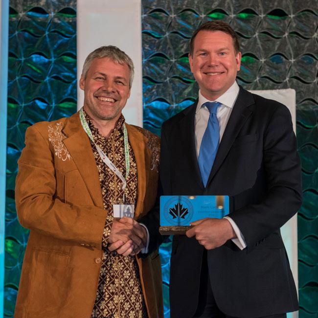 Mark_Lucuik_CaGBC_Volunteer_Leadership_Award-ig.jpg